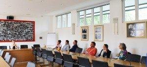 Interessierte Fragen der Besuchergruppe an die Landtagsabgeordnete Katharina Schulze