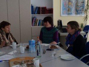 Katharina Schulze im Gespräch mit  Anne weiß und Anna Hanusch