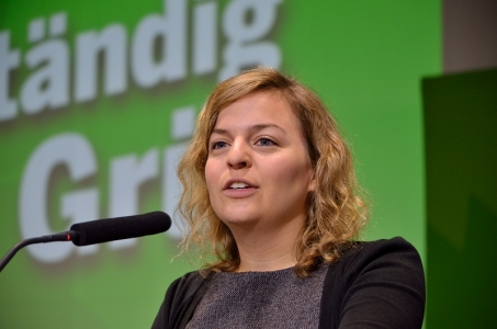 Katharina Schulze gibt den Bericht zum Parteirat auf dem Landesparteitag 2014