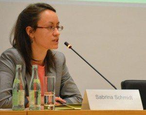 Sabrina Schmid spricht zu Islamfeindlichkeit in Deutschland