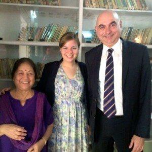 Corinne Kumar Frauenrechtsbewegung Vimochana mit Katharina Schulze und Jürgen Mistol