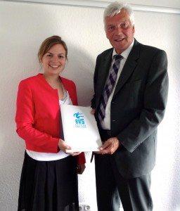 Katharina Schulze mit Präsident Hartmut Courvoisier