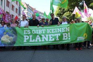 """Auf der G7-Demo in München: """"Es gibt keinen Planet B"""" © Grüne Bayern"""