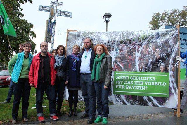 Grüne Bayern protestieren gegen Orbán und Seehofer