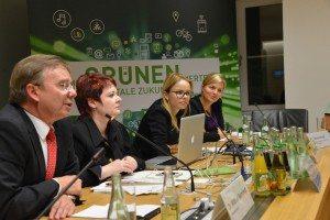 Diskutierten über E-Governent: Wilfried Bernhardt (Staatssekretär a.D.), Verena Osgyan (MdL), Dr. Julia Klier (McKinsey), Katharina Schulze (MdL)