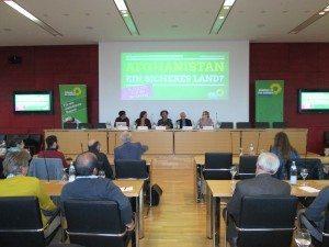 """Diskussionsrunde zum Thema """"Afghanistan-ein sicheres Land?"""" unteranderem mit MdL Katharina Schulze"""