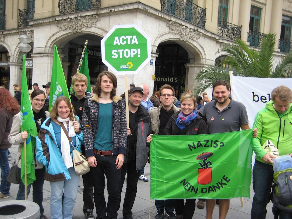 Die Grüne Jugend München protestiert gegen ACTA.