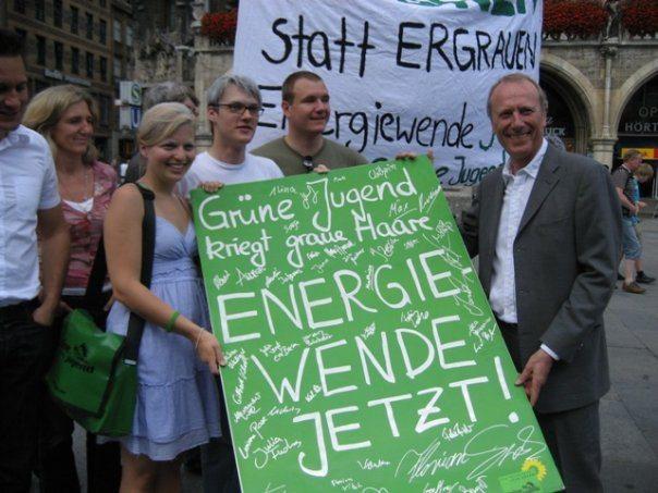 Grüne Jugend fordert: Energiewende jetzt! mit 3. Bürgermeister Hep Monatseder und Stadträtin Sabine Nallinger