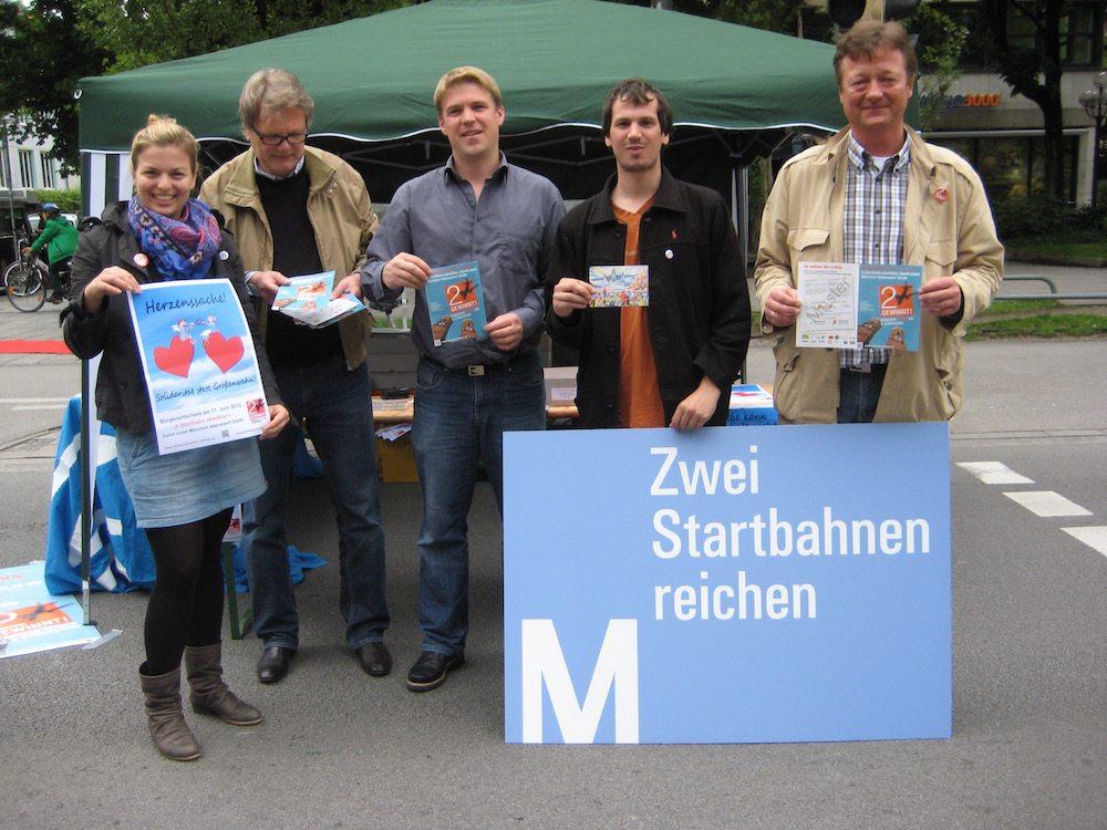 Die Grünen München haben unzählige Indostände zur Verhinderung der Dritten Startbahn abgehalten.