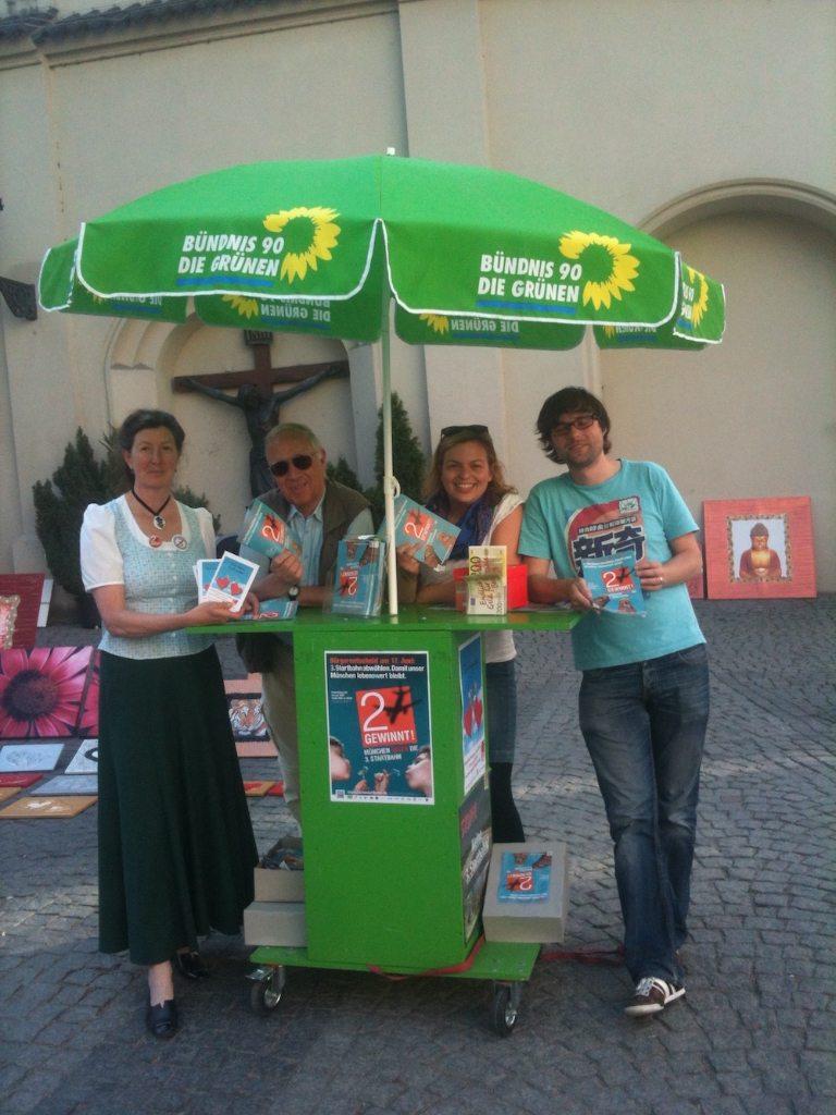 Infostand am Sendlinger Tor: Fleißige Grüne München