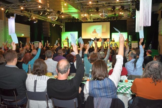 Voller Saal bei unserem Oberbayern-Parteitag in Ingolstadt: über 100 Delegierte!