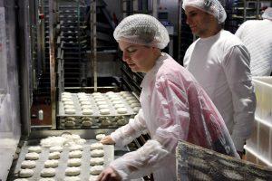 Natürlich gehören auch Semmeln zum Sortiment der Bio-Bäckerei.