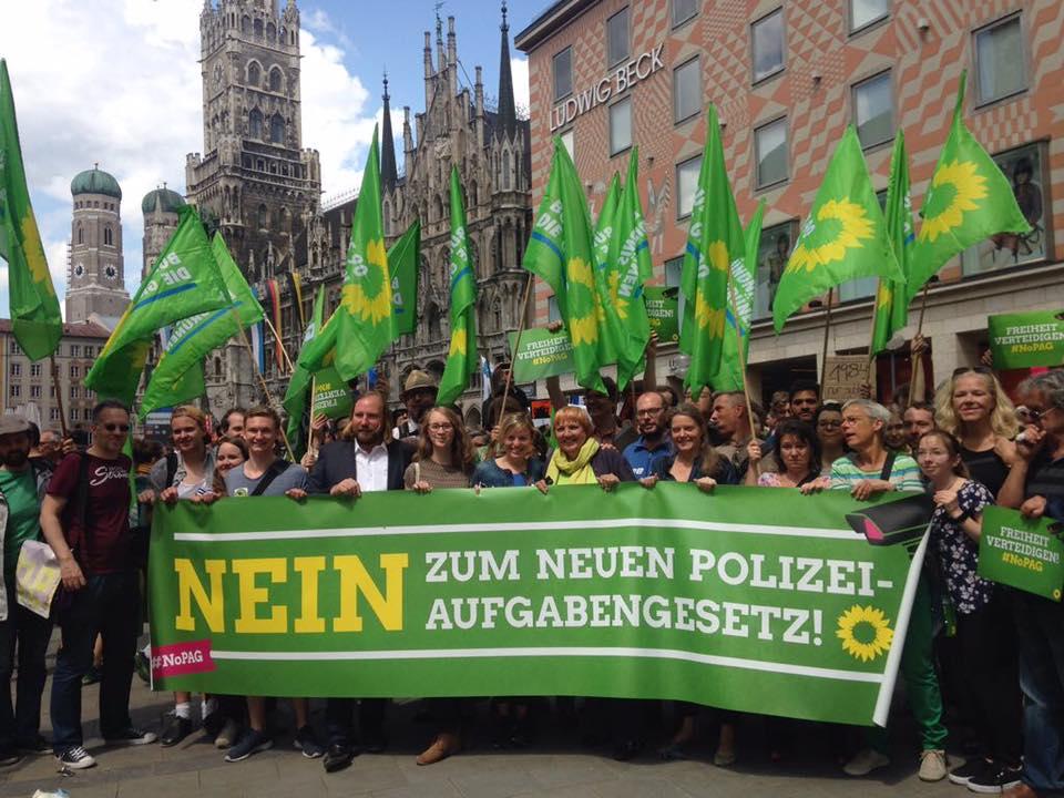 Großdemo gegen das CSU-Polizeiaufgabengesetz in München