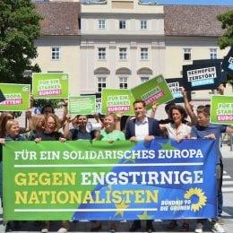 Grüne aus Bayern und Oberösterreich stellen sich gegen die Achse der Zerstörer Europas