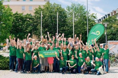 Grüner Wahlkampfauftakt im Münchner Norden - unser motiviertes Wahlkampfteam!