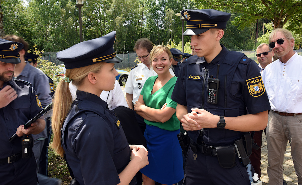 Polizeiausbilder Polizeihauptmeister Heß, Polizeioberwachtmeisterin Leppig und Polizeioberwachtmeister Fritz vom 74. Ausbildungsseminar | Copyright: Bayerische Bereitschaftspolizei