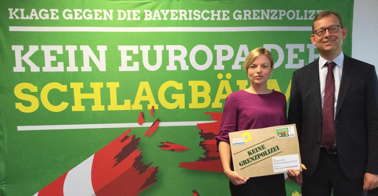 Katharina Schulze und Prof. Dr. Thorsten Klingreen klagen gegen die Bayerische Grenzpolizei.