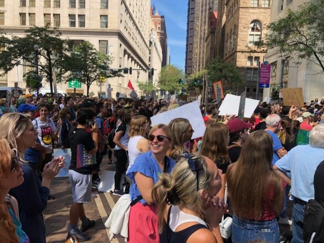Auch beim Klimastreik in Pittsburgh sind so viele Menschen auf die Straße gegangen!
