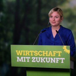 Digitaler Parteitag der Grünen Bayern: Wirtschaft mit Zukunft